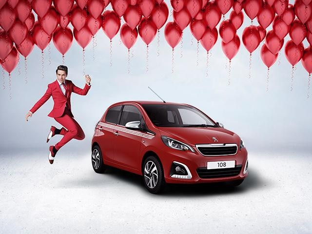 Peugeot 108 Collection in red with Mika and balloons