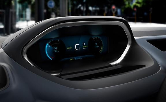 NEW PEUGEOT e-RIFTER - specific new instrument panel