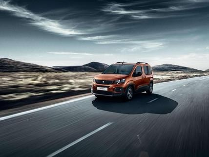 PEUGEOT RIFTER - rent a combustion vehicle with Mobility Pass