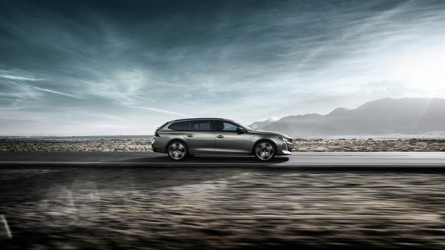 All-new Peugeot 508 SW Rear View driving