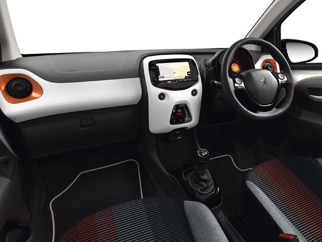 108 Roland Garros dashboard interior