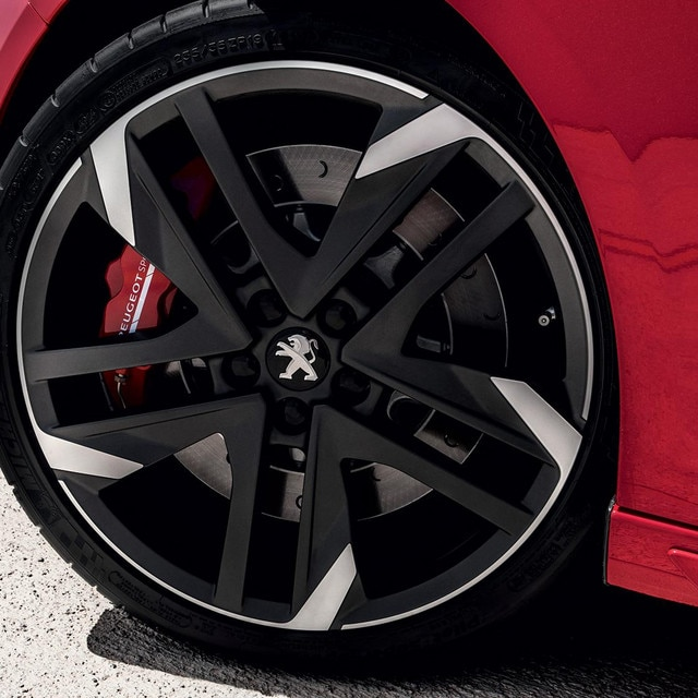 Peugeot 308 GTi by Peugeot Sport alloy wheel