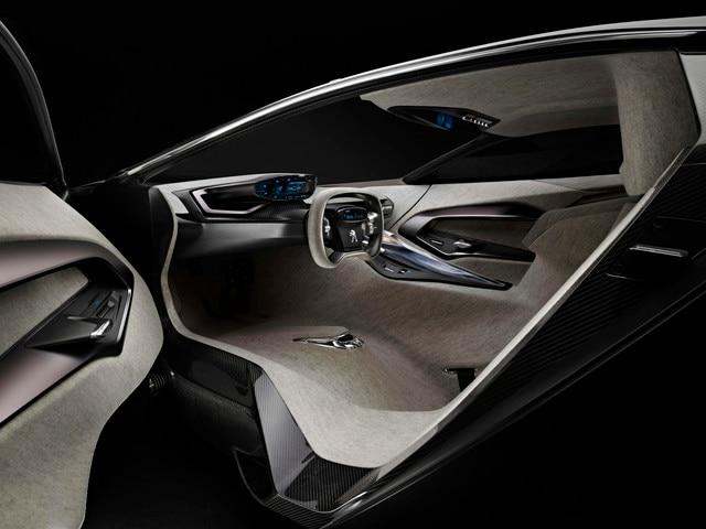 /image/11/4/peugeot-onyx-concept-interior-1-640.44340.186114.jpg