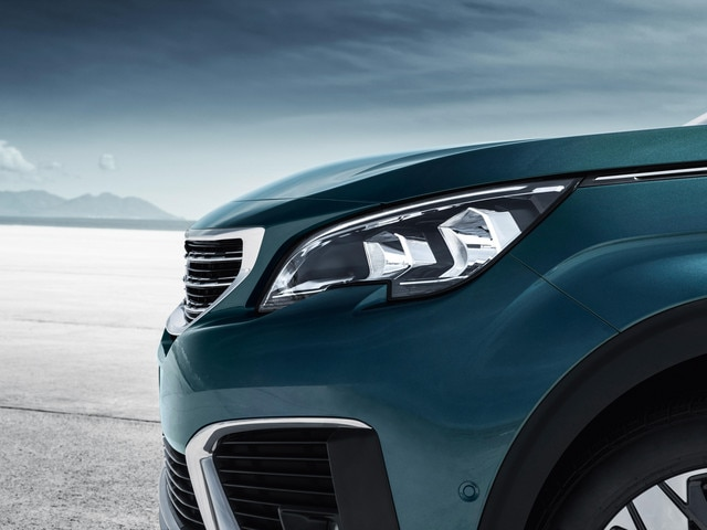 New Suv Peugeot 5008 Design Colours And Equipment