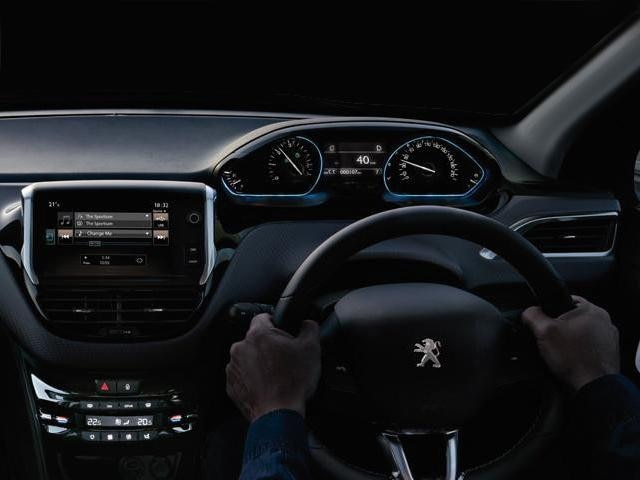 the peugeot i cockpit latesttechnology peugeot uk. Black Bedroom Furniture Sets. Home Design Ideas
