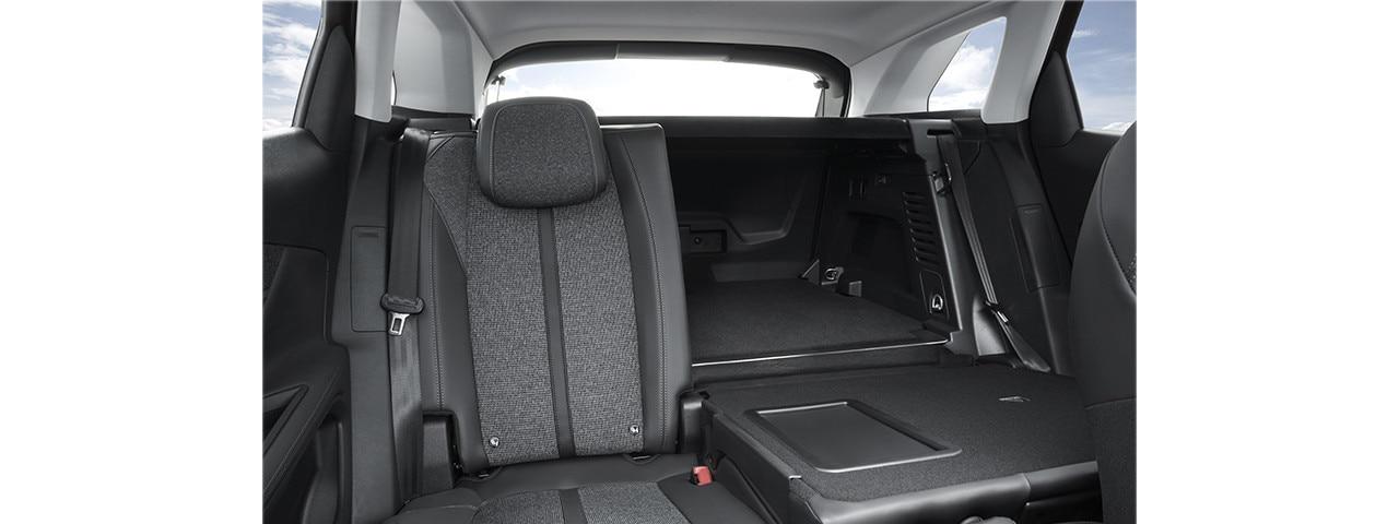 Peugeot 3008 SUV modular seating