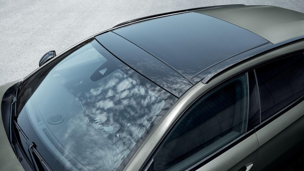 New PEUGEOT 508 SW estate, wide-opening panoramic sunroof