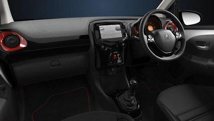 Peugeot 108 GT cockpit - june 2017