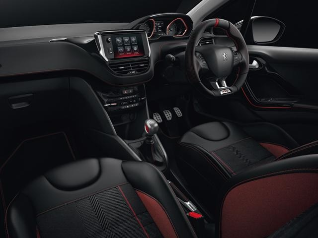 208 gti prestige interior connected technology
