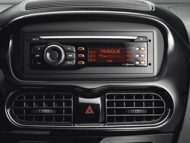 Peugeot iOn Radio CD Player