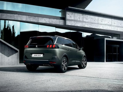 Peugeot 5008 SUV Rear view