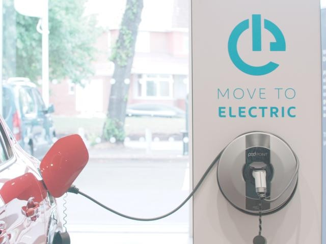 PEUGEOT-Electric-Car-Charging