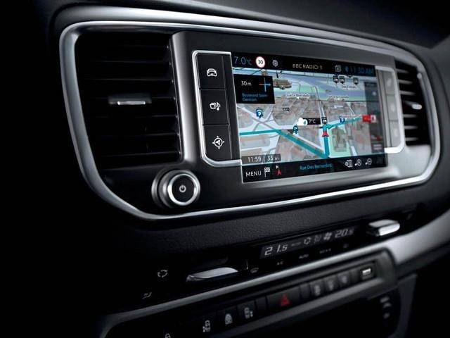 Peugeot Traveller Business satellite navigation