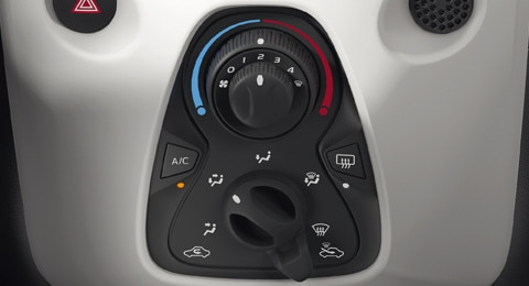 Peugeot 108 air conditioning controls