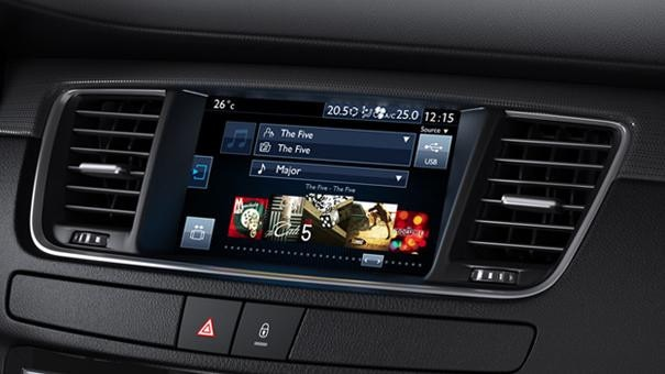 Peugeot 508 Saloon touch screen