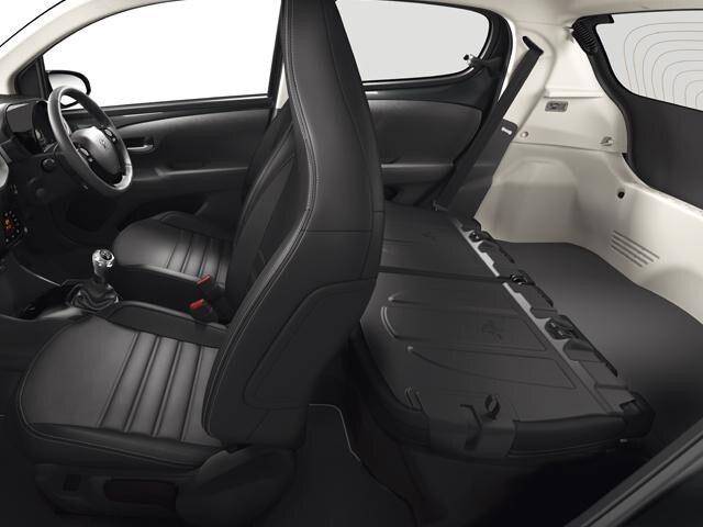 Peugeot 108 seats