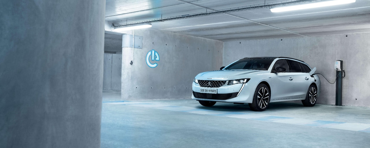 All-new PEUGEOT 508 SW HYBRID - left side car