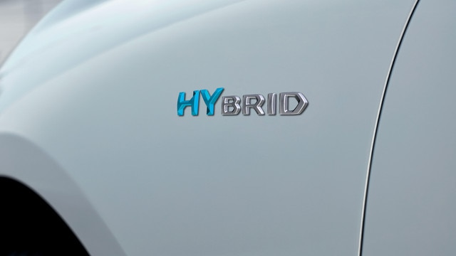 New PEUGEOT 508 SW HYBRID, hybrid badge
