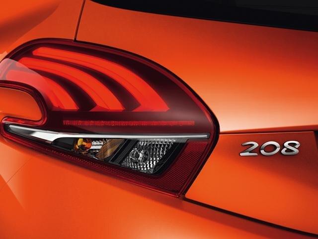 208 5 door signature lighting