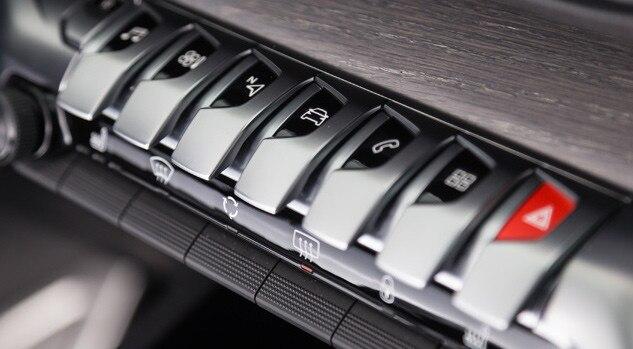 Peugeot 5008 SUV Interior Controls