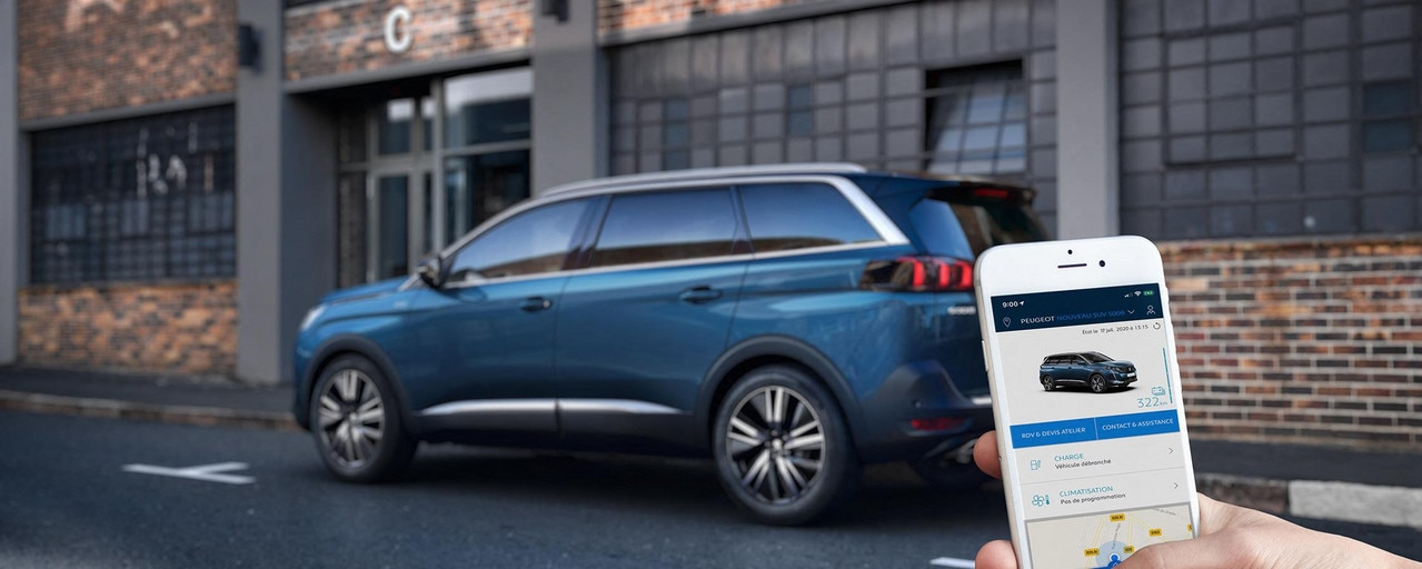 New PEUGEOT 5008 SUV , connected services