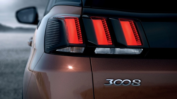 PEUGEOT 3008 HYBRID4 SUV: LED rear lights