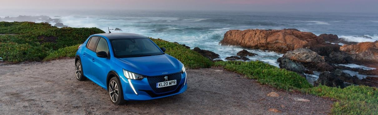 PEUGEOT-e-208-on-cliff-side