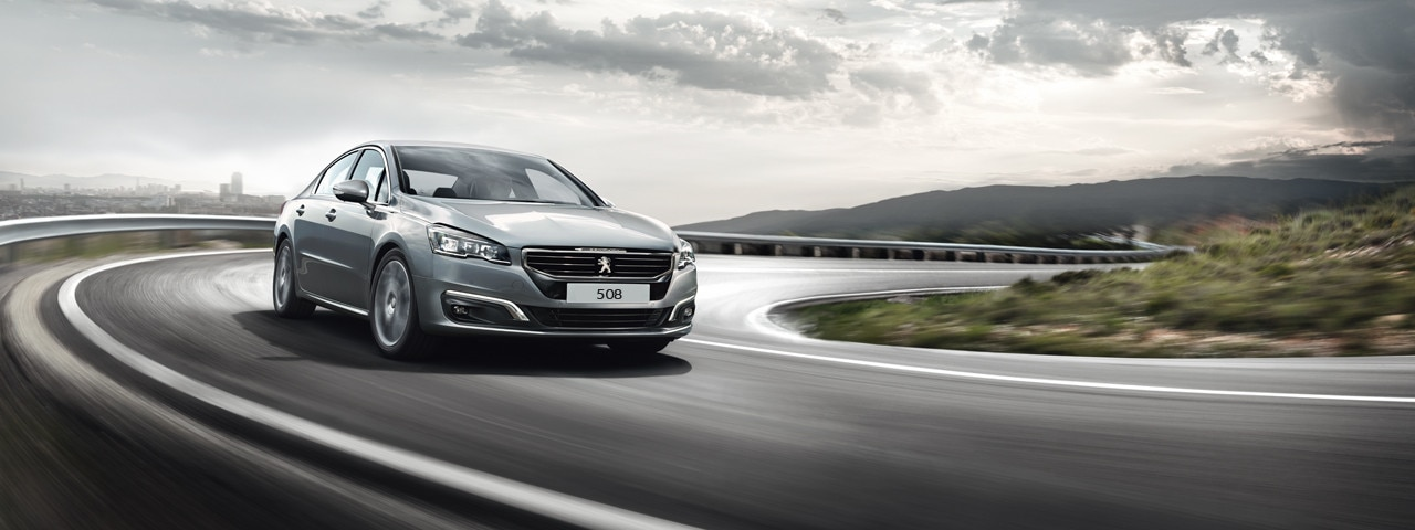 Peugeot 508 Saloon front view