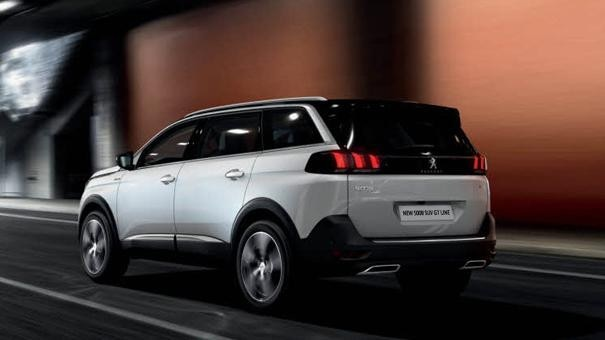 Peugeot 5008 SUV GT Line rear view