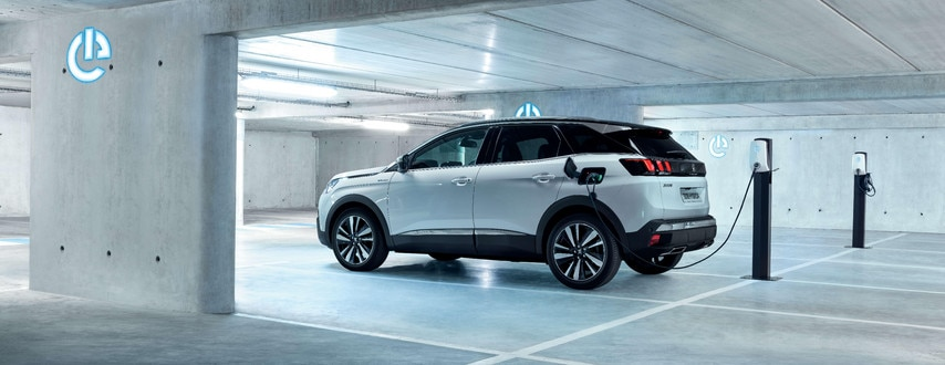 PEUGEOT 3008 SUV HYBRID4: vehicle charging