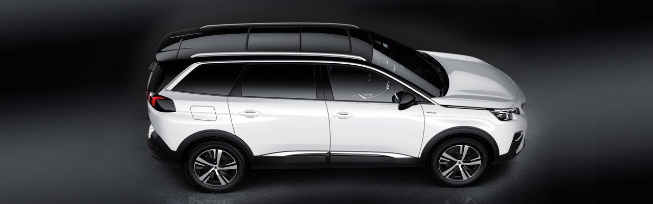 Peugeot 5008 SUV GT Line side view