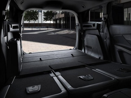 Peugeot 5008 SUV GT boot space
