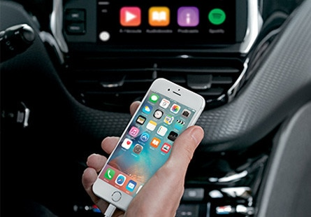 /image/52/1/peugeot_2008_suv_with_apple_carplay.100521.jpg