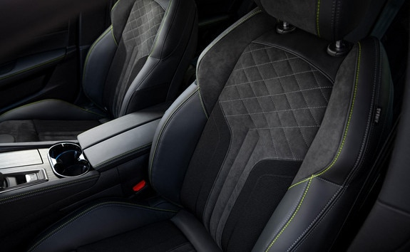 "New PEUGEOT SPORT ENGINEERED 508: seats with ""comfort-fit"" optimised support."