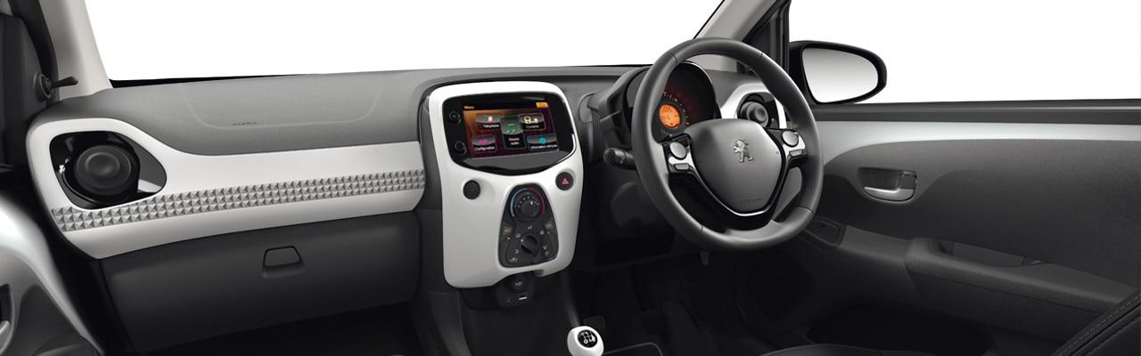 Peugeot 108 Dressy interior