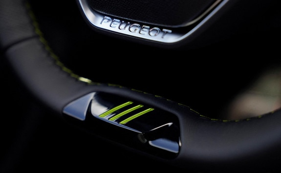 New PEUGEOT SPORT ENGINEERED 508: PEUGEOT SPORT ENGINEERED steering wheel