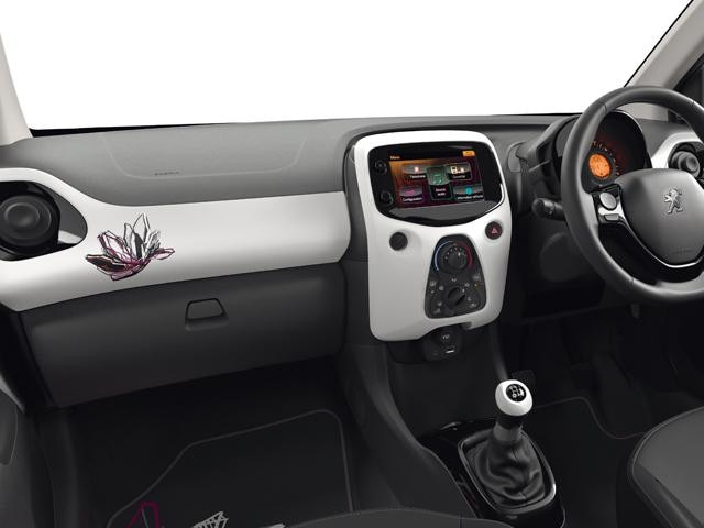 Peugeot 108 Tattoo interior