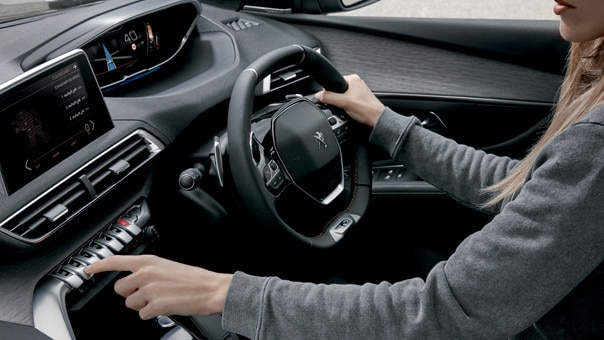 PEUGEOT 3008 SUV - Connectivity