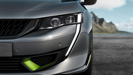 New PEUGEOT SPORT ENGINEERED 508: Full LED headlights with automatic vertical correction