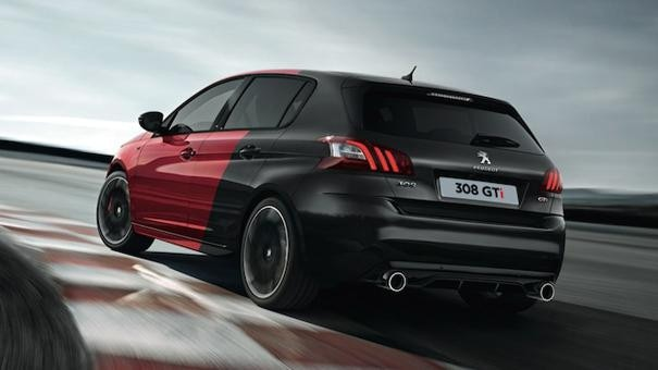 308 GTi by Peugeot Sport exterior track
