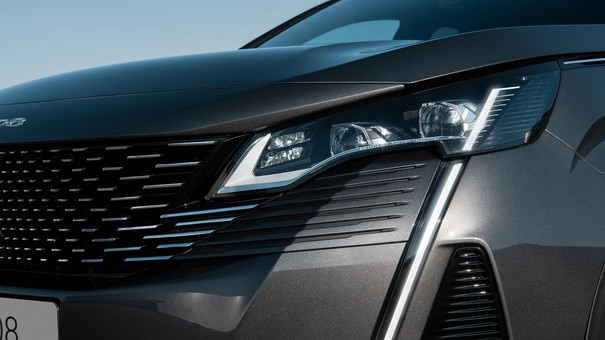 New PEUGEOT 3008 SUV - New FULL LED lights
