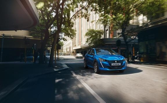 ALL-NEW PEUGEOT e-208 – distinctive new front face and 3 driving modes