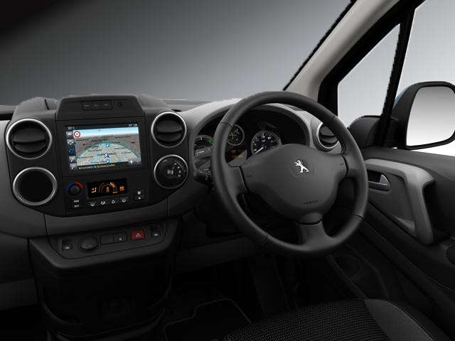 Peugeot Partner Tepee Electric interior