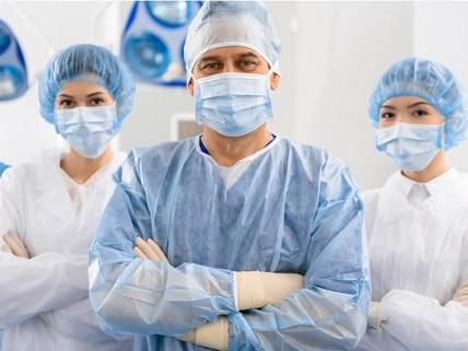 NHS-doctors-wearing-masks