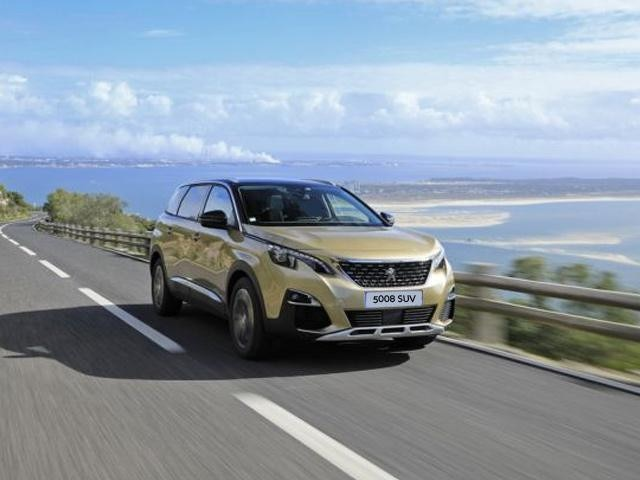 Peugeot 5008 SUV driving on road