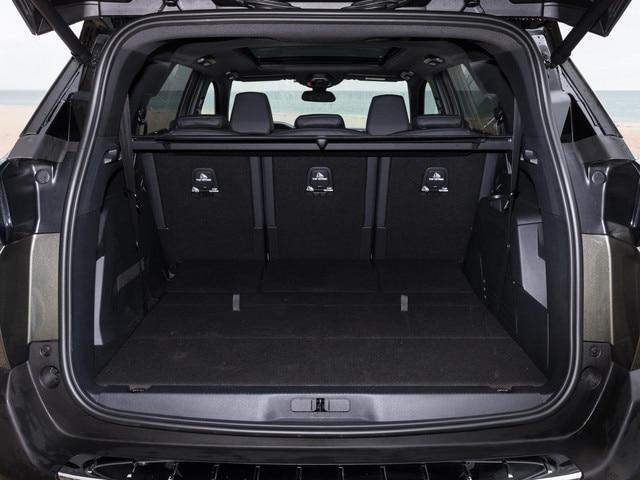 New Peugeot 5008 SUV boot
