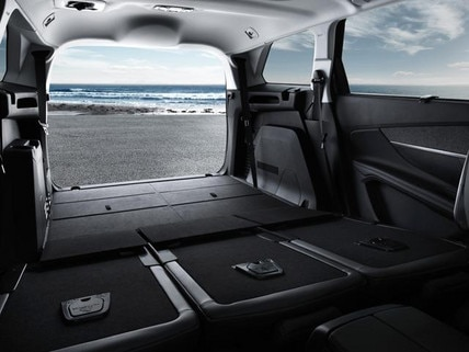 Peugeot 5008 SUV boot capacity
