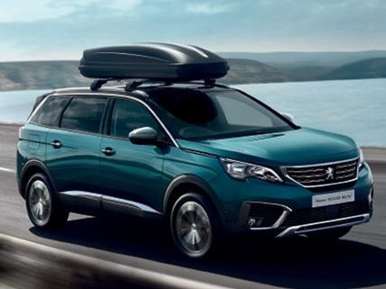 New Peugeot 5008 SUV with roof rack