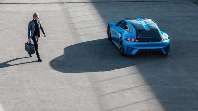 Man walking to Peugeot Instinct concept