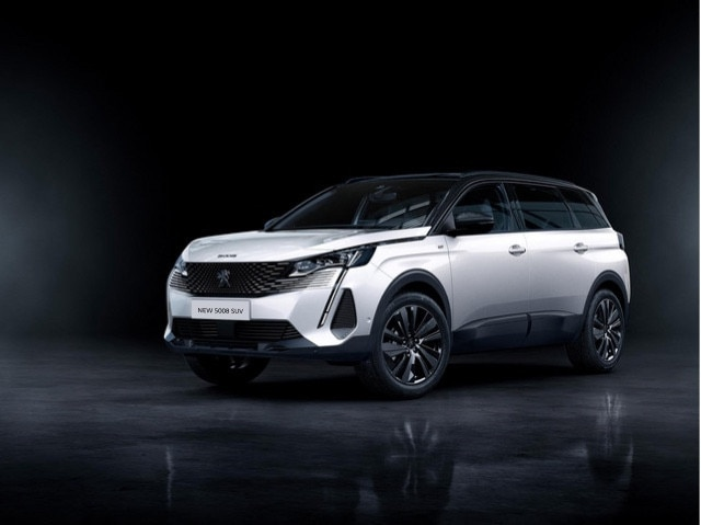 "New PEUGEOT 5008 SUV ""Black Pack"" option"